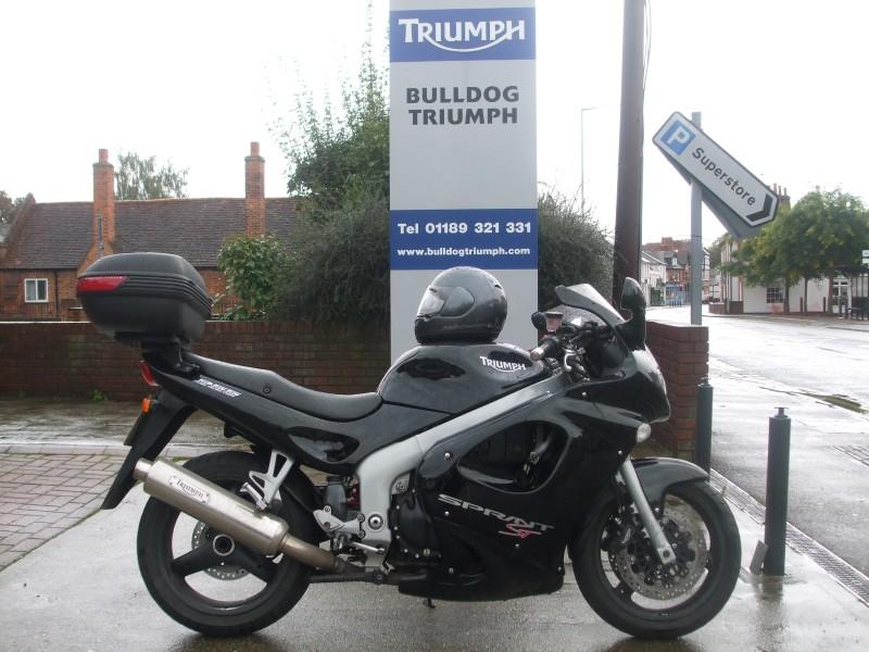 Triumph Sprint ST 955 in black