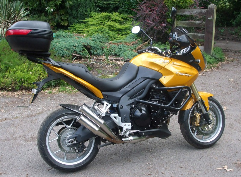 Triumph Tiger 1050 with Campbell Custom Sidewinder Exhaust