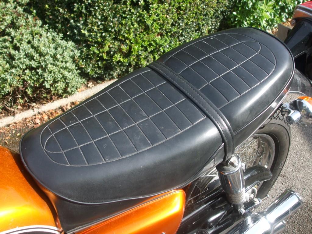 Honda CB500 K1 Seat